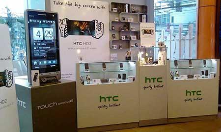 Tủ trung bày điện thoại HTC